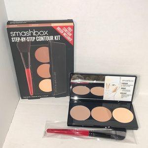 Smashbox Step By Step Contour With Contour Brush
